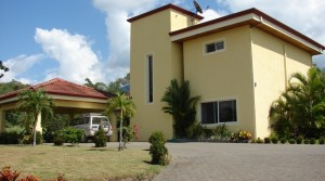 Modern Three Bedroom Home on Over an Acre in Quepos