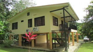 Affordable Home Near Uvita Beaches With Walking Distance To Shops