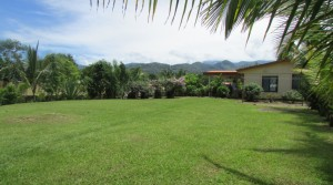 Affordably Priced Home Conveniently Close To The Center Of San Isidro