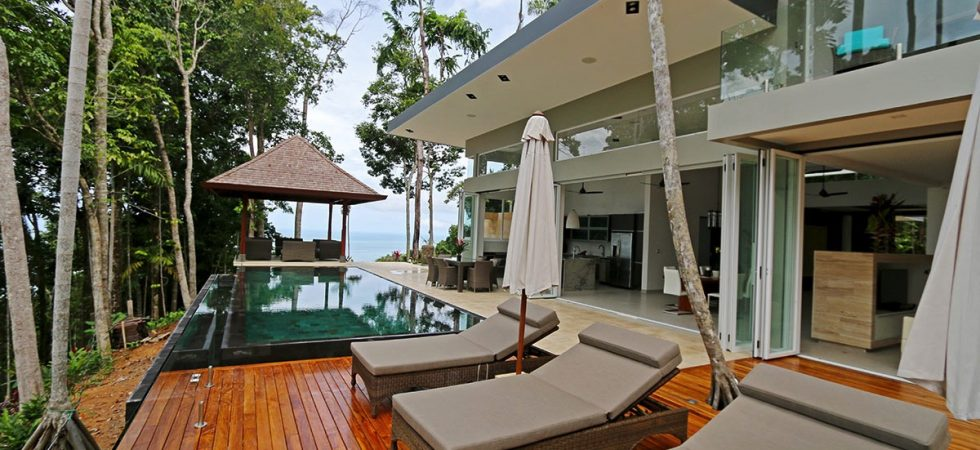New Luxury Home With Ocean View In The Escaleras Area Of Dominical
